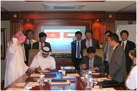 thi-truong-lao-dong-uae-duoc-day-manh